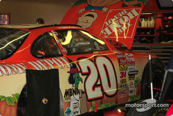Halloween paint scheme on Tony Stewart's car