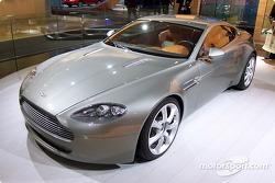 Aston-Martin AM V8 Vantage