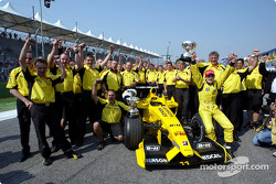 Giancarlo Fisichella and team Jordan celebrate Brazilian GP win