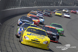 Dave Blaney leads a group of cars
