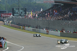First lap: #7 Team Bentley Bentley Speed 8: Tom Kristensen, Rinaldo Capello, Guy Smith, and #8 Team Bentley Bentley Speed 8: Johnny Herbert, David Brabham, Mark Blundell