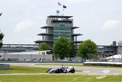 Jeff Gordon at speed in an F1 car at Indy
