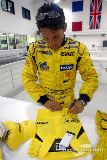 Giancarlo Fisichella signs autographs