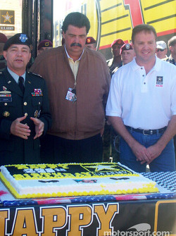 Mike Wallace, Mike Helton, Army General