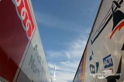 Audi teams transporters