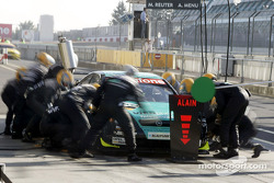 Pitstop practice for Manuel Reuter