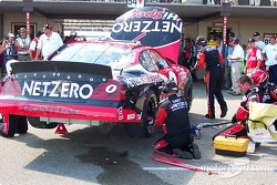 Jason Leffler's car behind the wall: axle change