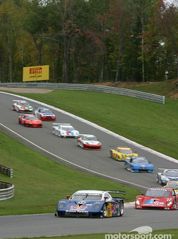 Start: #58 Brumos Racing Porsche Fabcar: David Donohue, Mike Borkowski, Sascha Maassen leads the field