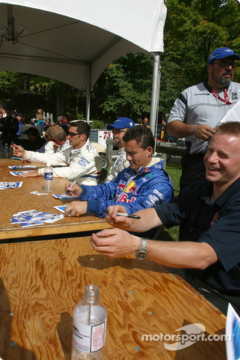 Drivers autograph session: David Donohue