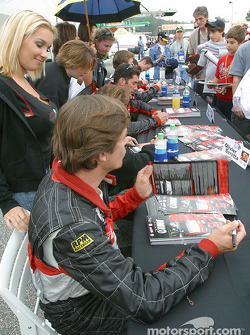 Autograph session: David Saelens