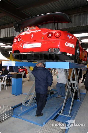 #80 Veloqx Care Racing Racing Ferrari 550 Maranello