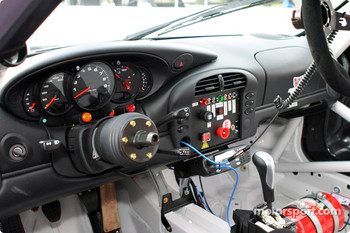 #74 Flying Lizard Motorsports Porsche 996 GT3 cockpit