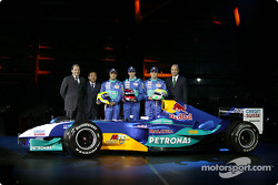 Felipe Massa, test driver Neel Jani, Giancarlo Fisichella and Peter Sauber with the new Sauber Petronas C23
