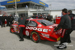 Dodge Dealers crew head to qualifying line-up