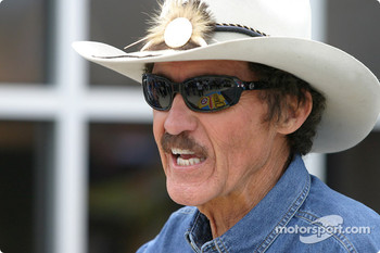 Petty Enterprises press conference: Richard Petty