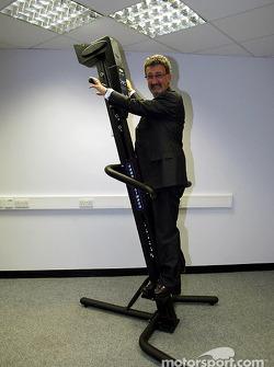Eddie Jordan tries a verti-climber