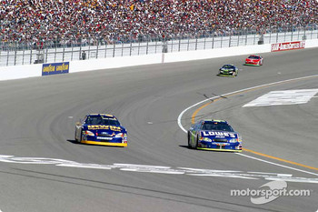 Jimmie Johnson passes Kurt Busch