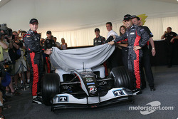 Gianmaria Bruni and Zsolt Baumgartner unveil the new Minardi PS04B