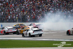 Scott Wimmer is hit by Jeremy Mayfield