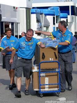 Renault team members