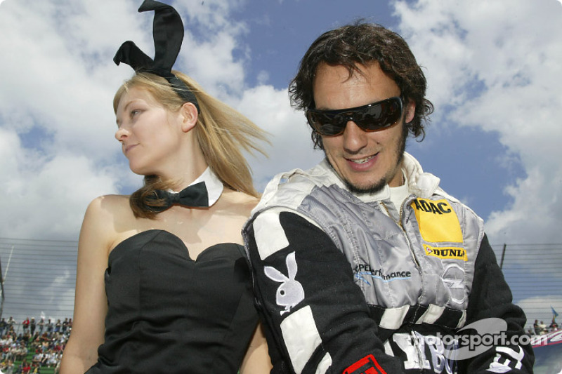Laurent Aiello in charming company