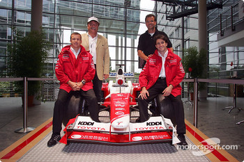 Toyota F1 drivers Olivier Panis and Ricardo Zonta with Markus Schrick, Toyota Germany President, and Fritz Schramma, Mayor of Cologne,