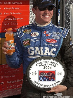Brian Vickers accepts the pole award for Sunday's Pop Secret 500