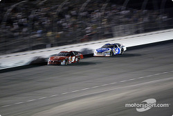 Mark Martin chases Kasey Kahne for 2nd place
