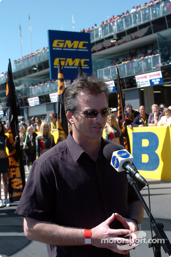 Former Australian Test Cricket Captain Steve Waugh had the honour