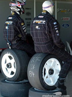 Tyre men take a break