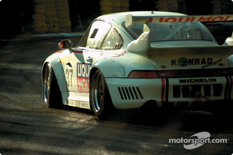 #37 Konrad Motorsport Porsche 911 GT2 Evo: Franz Konrad, Antonio Hermann, Wido Rössler