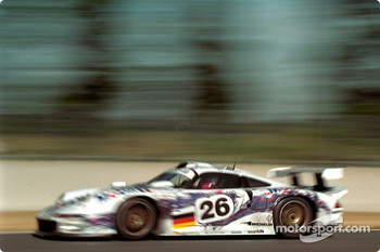 #26 Porsche AG Porsche 911 GT1: Karl Wendlinger, Yannick Dalmas, Scott Goodyear