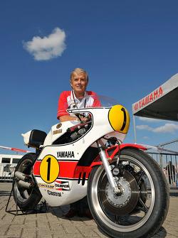 Giacomo Agostini unveils his 1975 championship winning Yamaha OW23 with Jorge Lorenzo, Fiat Yamaha Team