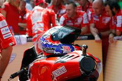 Helmet of Casey Stoner, Ducati Marlboro Team