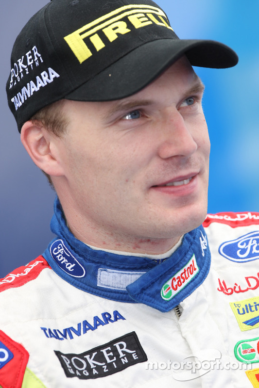 Jari-Matti Latvala - 2017 Light Brown hair & chic hair style. Current length:  short hair