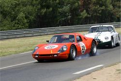 #28 Porsche 904 GTS 1964: Michiel Duijvendijk, Jan Lammers and #25 TVR Grantura MK III 1963: Philip Hooper, Ian Bankhurst