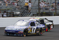 Matt Kenseth, Roush Fenway Racing Ford and Jeff Gordon, Hendrick Motorsports Chevrolet