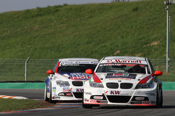Mehdi Bennani Wiechers-Sport BMW 320si and Andrei Romanov Liqui Moly Team Engstler BMW 320si