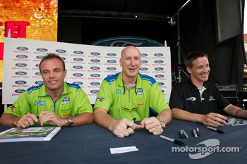 Nic Jonsson, Tracy Krohn and Brian Frisselle at an autograph session
