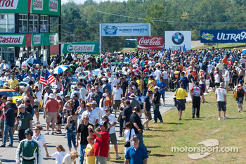 2010 American Le Mans Series Pre-race grid walk