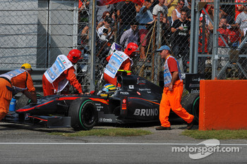 Trouble for Bruno Senna, Hispania Racing F1 Team, HRT