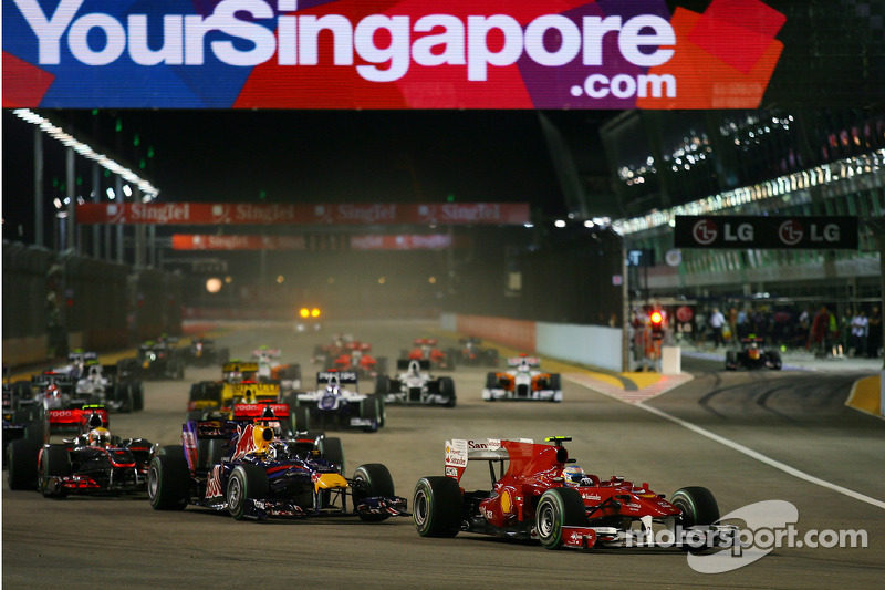 Start: Fernando Alonso, Scuderia Ferrari leads
