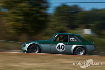 #86 8AP '72 MGB/GT V8: Jerry Richards
