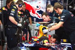 Red Bull Racing RB6 of Sebastian Vettel, Red Bull Racing is prepared by mechanics