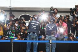 Nick Heidfeld, Test Driver, Mercedes GP and Rubens Barrichello, Williams F1 Team