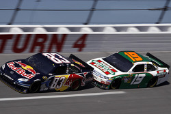 Kasey Kahne, Red Bull Racing Team Toyota, Elliott Sadler, Richard Petty Motorsports Ford