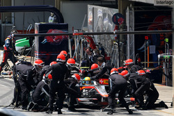 Bruno Senna, Hispania Racing F1 Team, pitstop