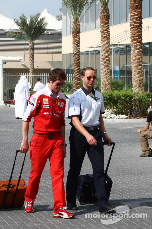 Rob Smedly, Scuderia Ferrari, Chief Engineer of Felipe Massa with Gerry Hughes of Cosworth