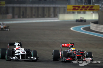 Kamui Kobayashi, BMW Sauber F1 Team, Lewis Hamilton, McLaren Mercedes