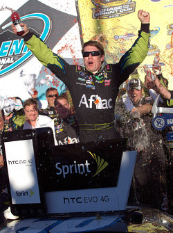 Victory lane: race winner Carl Edwards, Roush Fenway Racing celebrates